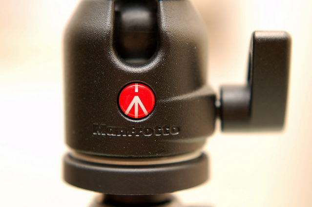Manfrotto 標誌