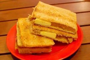 新加坡味的美食:亞坤