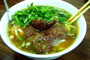 良月牛肉麵 - 與廖家牛肉麵系出同門 (據聞 2011/7 已經歇業)