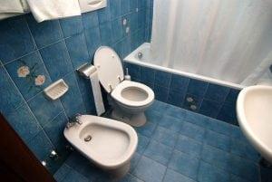 [義大利遊記] 義大利旅館的廁所真奇怪-洗屁屁台