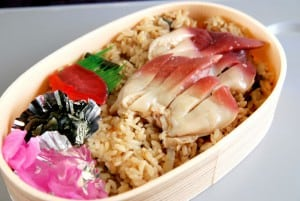 [08夏-日本] 苫小牧大清早沒得逛,還是買好吃的北寄飯鐵路便當吧!