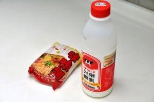 [食譜] 黑暗料理界的煮泡麵秘技:牛奶、起司片