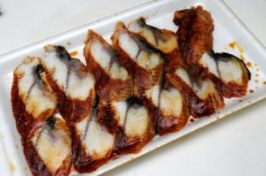 [試吃] 鰻群的蒲燒鰻、煙燻鰻、白燒鰻