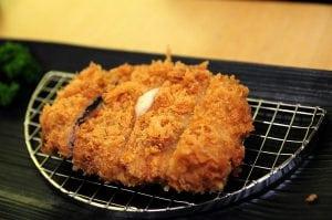 勝博殿日式豬排店 (與杏子豬排做比較)