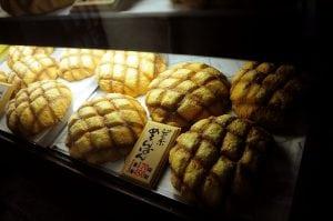 [東京‧淺草] 像臉一樣大的花月堂超好吃波蘿麵包