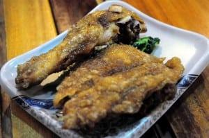 據說是台灣炸雞腿飯始祖的西門町玉林雞腿大王