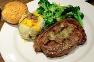 [邀約] NEO19 美式餐廳 CHILI'S 美式自由配