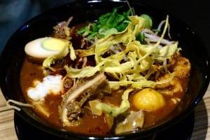 赤初 杭州酒釀麻辣麵旗艦店 混搭日式風格的中式餐點麵食