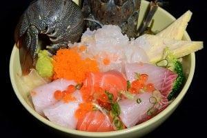 串鳥活龍蝦丼 NT$780 實在是超值又好吃 近微風廣場