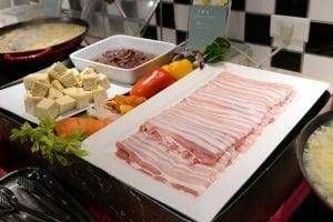 凱撒大飯店 Checkers 自助餐推出東北酸菜白肉鍋 台北車站美食推薦