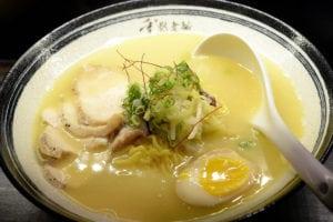 重熙老麵 如日似中的雞湯拉麵 雞湯燉飯超好吃 小南門美食強力推薦