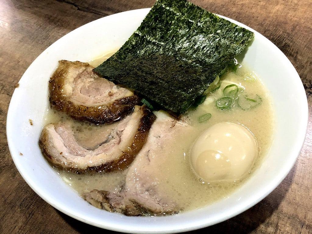 小川拉麵 來自日本 在冷清的地點卻很熱門 科技大樓站美食推薦