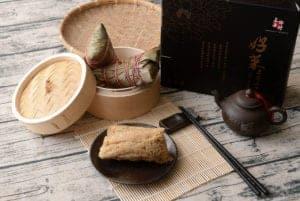 上海鄉村雪蓮子干貝厚粽 同時有台灣南部粽/枕粽/湖州粽的元素