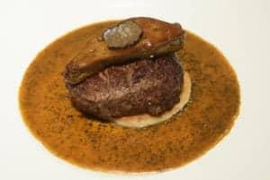 君悅寶艾西餐廳 米其林餐盤推薦 羅西尼牛排表現亮眼