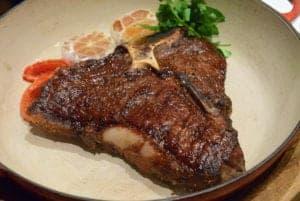 喜來登安東廳超重量級和牛丁骨牛排 米其林餐盤推薦