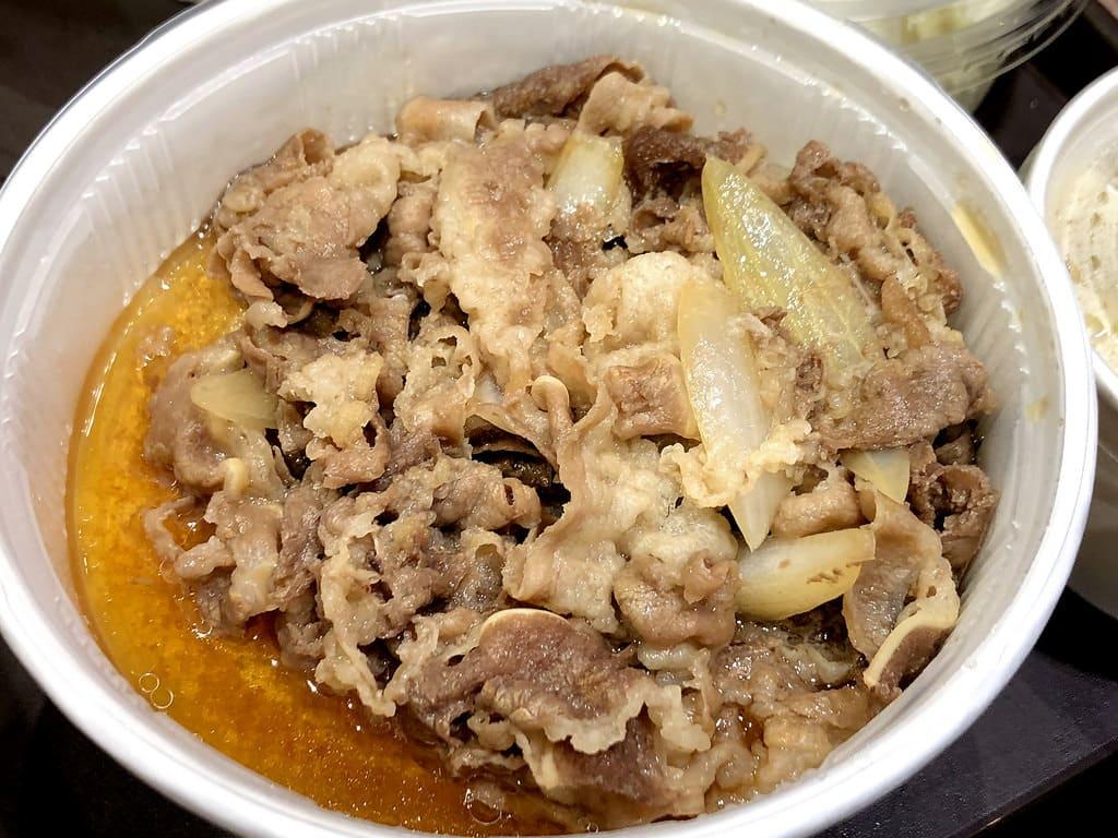 松屋牛丼飯台灣一號店 台北新光三越南西三館 牛肉飯品質超高超好吃 實力被低估了