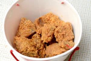 拿坡里炸雞的12塊重量級腿排桶 NT$188 元是超值還是一場騙局?